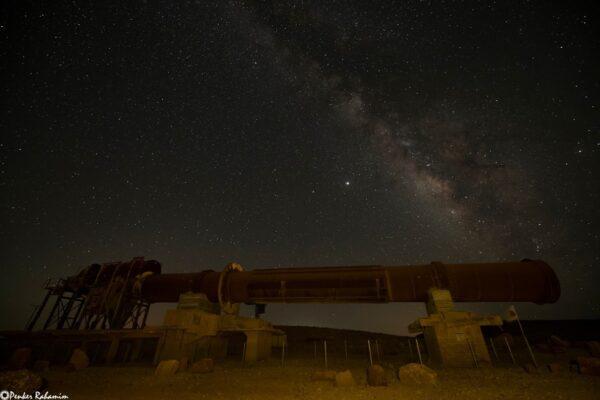 מפעל החרסית בלב מכתש רמון-תצפית כוכבים במכתש רמון