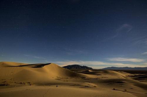 sand-dunes-939724_1280